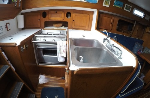 Galley w Refrigerator